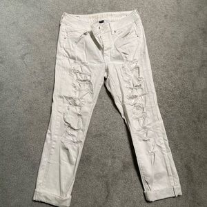 American Eagle Straight Leg White Destroyed Size 5